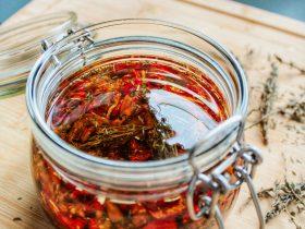 Recette mélange tomates poivrons et oignons séchés