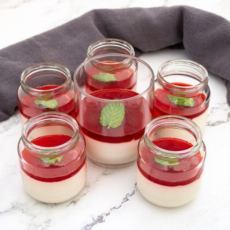 Recette panna Cotta végétale et coulis de fruits rouges